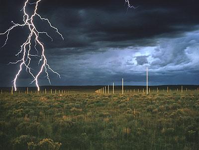 walter-de_maria_lightning_field