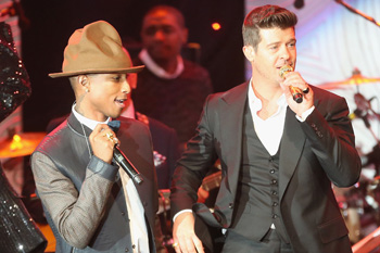 Robin-Thicke-rocked-stage-together