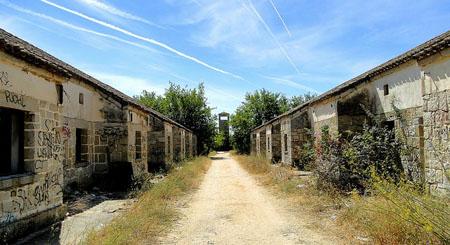 El-alamin-pueblo-abandonado